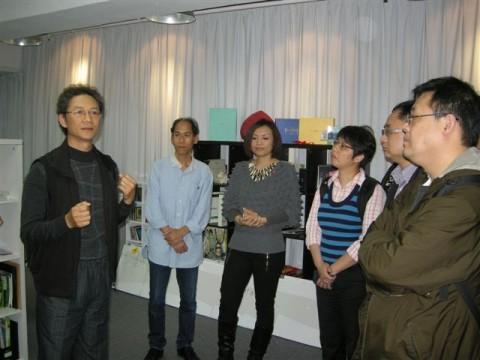 总裁李海柏先生介绍港龙数码摄影室